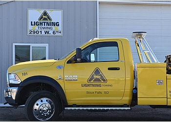 Sioux Falls towing company Lightning Towing