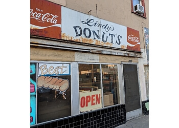 Stockton donut shop Lindy's Do-Nut Shop