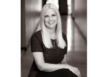 Scottsdale divorce lawyer Lisa J. Stone - DAVIS BLASE STONE & HOLDER