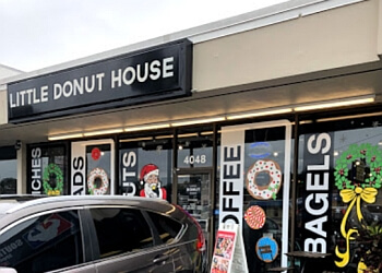 Tampa donut shop Little Donut House