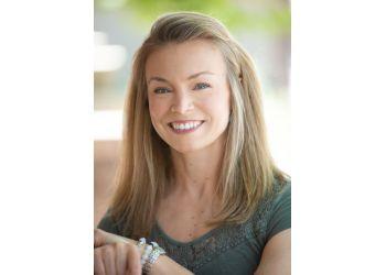 Denver physical therapist Liz Walley, PT, DPT, OCS, CSCS - PHYSICAL THERAPY & LIFETIME WELLNESS