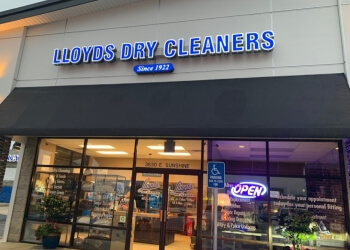 Springfield dry cleaner Lloyd's Cleaners