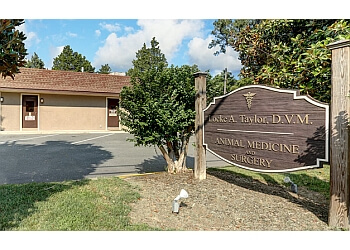 Richmond veterinary clinic Locke A. Taylor D.V.M.