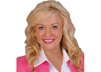 Milwaukee plastic surgeon Lorelle L. Kramer, MD
