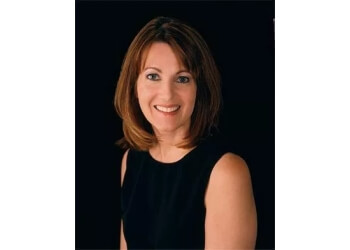 Cape Coral plastic surgeon Lorraine M. Golosow, MD - ASSOCIATES IN COSMETIC SURGERY