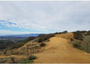 Thousand Oaks hiking trail Los Robles Trail