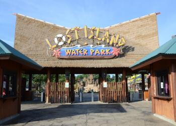 Cedar Rapids amusement park Lost Island Waterpark