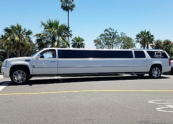 Glendale limo service Love Boat Limousine