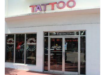 Miami tattoo shop Love Hate Tattoo Studio