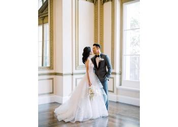 Fullerton wedding planner Love Wildly Co.