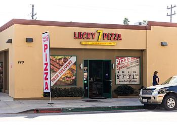 Glendale pizza place Lucky 7 Pizza