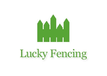 Knoxville fencing contractor Lucky Fencing