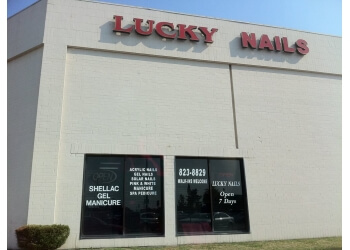 Springfield nail salon Lucky Nails