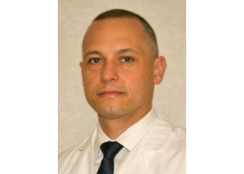 Lexington pain management doctor Luis A Vascello, MD