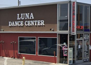 Glendale dance school Luna Dance Center
