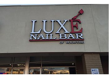 Rockford nail salon Luxé Nail Bar