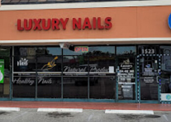 Fort Lauderdale nail salon Luxury Nails