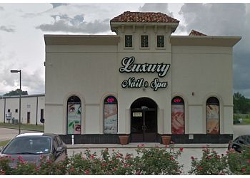 Beaumont nail salon Luxury Nails & Spa