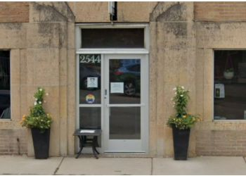 Minneapolis veterinary clinic Lyndale Animal Hospital