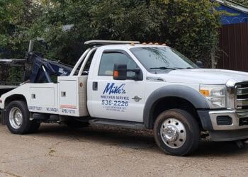 Huntsville towing company MIKE'S WRECKER SERVICE