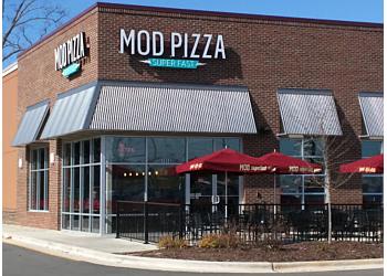 Fayetteville pizza place MOD Pizza