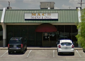 Arlington sports bar Mac's Tavern & Grill