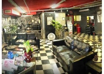 Peoria tattoo shop Mad Tatter Kustoms Tattoo & Body Piercing Studio