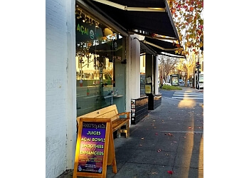 Oakland juice bar Main Squeeze