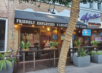 Phoenix sports bar Majerle's Sports Grill