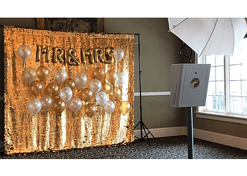 Detroit photo booth company Mammoth LLC