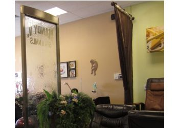 Albuquerque nail salon Mandy V Spa & Nails