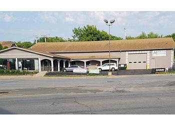 Milwaukee car repair shop Manyo Motors
