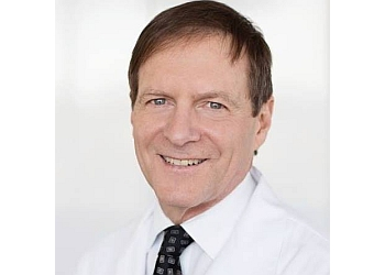 Eugene plastic surgeon Mark L. Jewell, MD