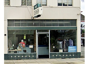 Salinas dry cleaner Market Dry Cleaners