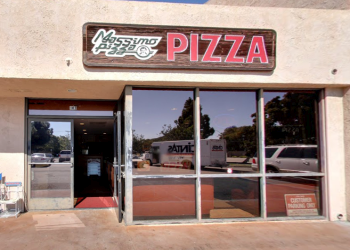 Huntington Beach pizza place Massimo's Pizza