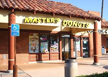 Fontana donut shop Master's Donuts