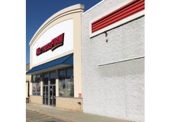 Worcester mattress store Mattress Firm Lincoln Plaza