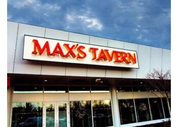 Springfield american restaurant Max's Tavern