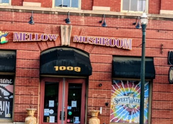 Columbia pizza place Mellow Mushroom