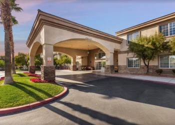Henderson assisted living facility Merrill Gardens at Siena Hills