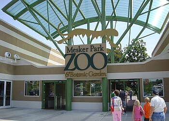 Evansville places to see Mesker Park Zoo and Botanic Garden