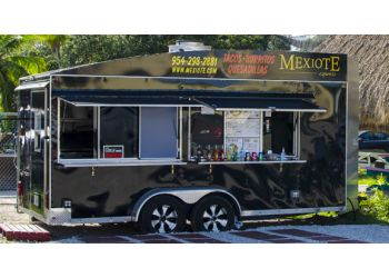 Hollywood food truck Mexiote