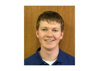 Independence physical therapist Michael Mitchelson, DPT
