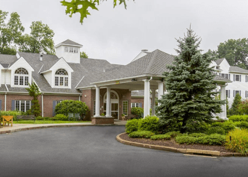 Bridgeport assisted living facility Middlebrook Farms at Trumbull
