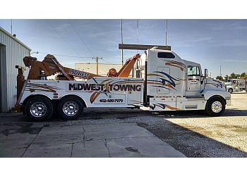 Lincoln towing company Midwest Towing & Recovery