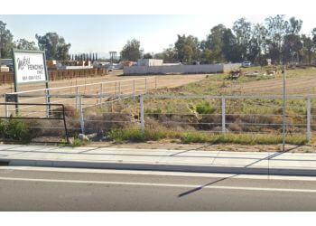 Bakersfield fencing contractor Mike's Fencing