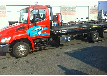 Philadelphia towing company Mike's Towing Service