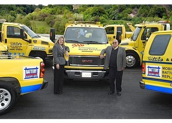 Stockton towing company Mikes Towing Service