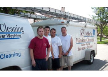 Kansas City gutter cleaner Mike's Window and Gutter Cleaning