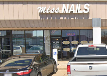 Mesquite nail salon Miss Nails